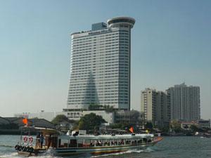 チャオプラヤ川沿いのホテル