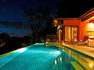ห้องพักที่มีสระว่ายน้ำส่วนตัว