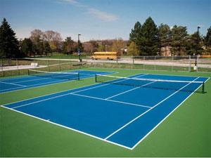 テニスコートのあるホテル