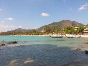 カタビーチが目の前のホテル