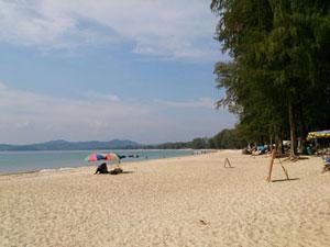 โรงแรมบนชายหาด บางเทา